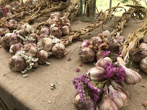 圖:列治文大蒜節是享受美食、家庭聚會的好去處。(邱晨/大紀元)