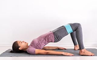 3招躺着就可以做的皮拉提斯,锻炼核心肌群。(Shutterstock)