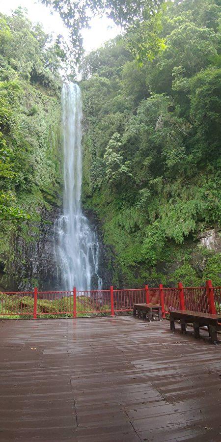 五峰旗登山步道最上层今年9月起重新开放2。