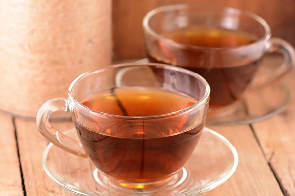 红茶没有绿茶有营养吗?这两种茶的区别在哪里?(Shutterstock)