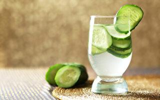 黄瓜水能补水、护肤、促减肥,有诸多功效。(Shutterstock)