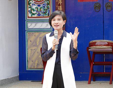 文化部長鄭麗君在土牛客家文化園區透過啟動宣示,邀請全國各界參與「全國社區營造會議」系列論壇。