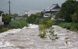 日本北九州强降雨 三县撤离88万人