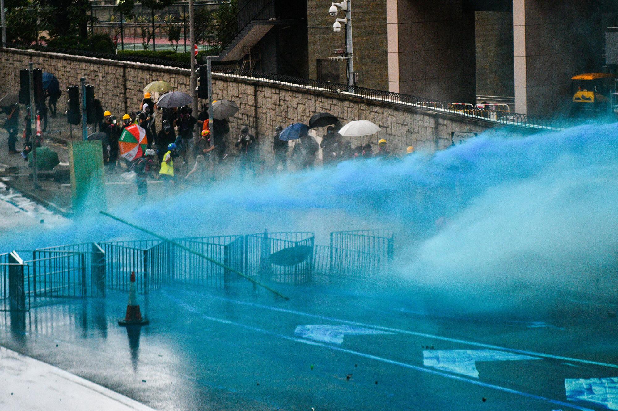 8.31反送中 港警首次用藍色液體追蹤示威者