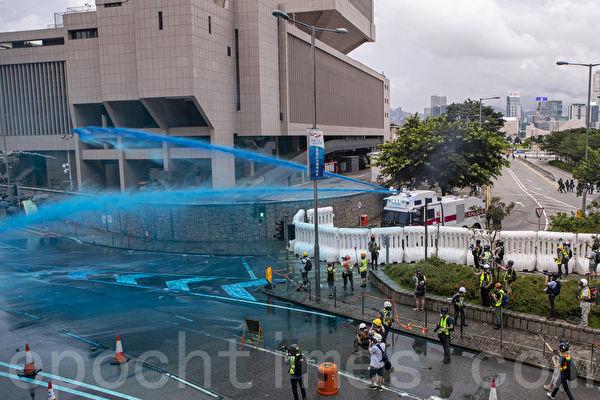 文简:香港8.31警察暴行和中共对法轮功学员如出一辙