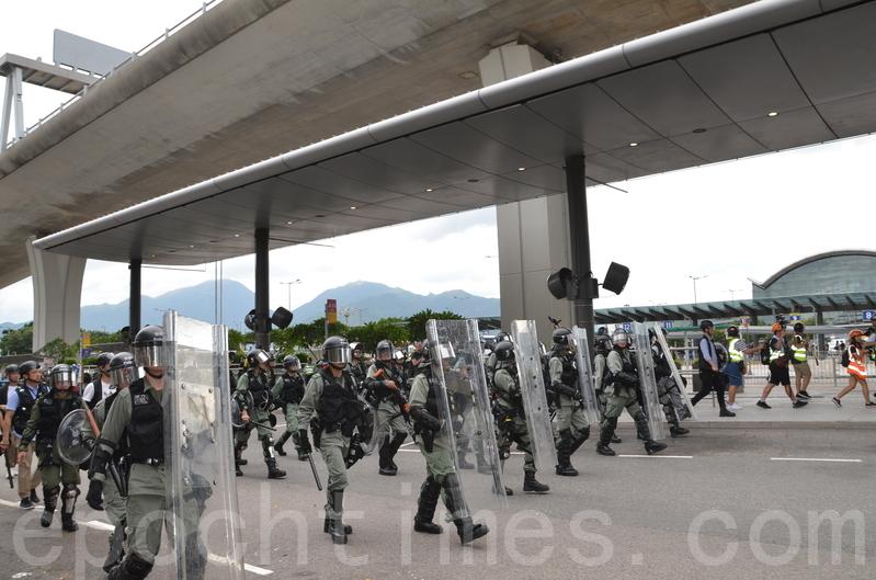 英籍獨立記者:近日港警將更瘋狂對付民眾