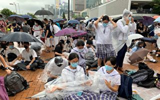 香港中學生開學高唱孤星淚 力壓中共國歌