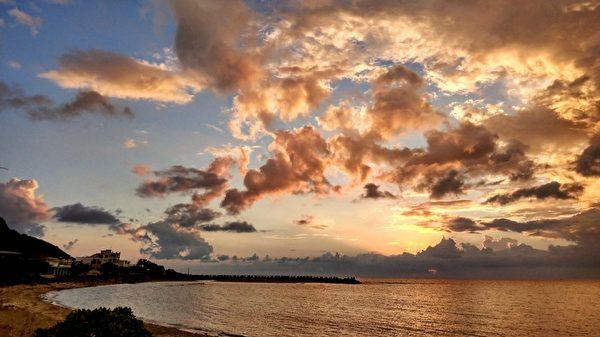 組圖:台灣恆春後灣祕境 坐看落日夕陽美景
