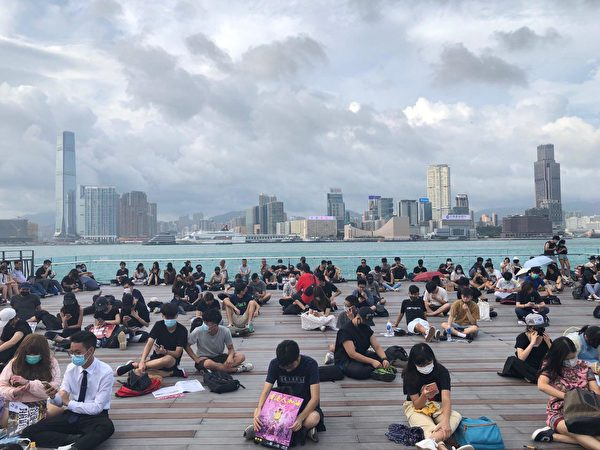 2019年9月3日,全港21界別在金鐘添馬公園罷工集會。(余天祐/大紀元)