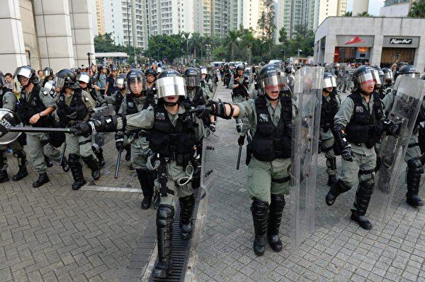 2019年9月7日,東涌出現大量警力清場。(宋碧龍/大紀元)
