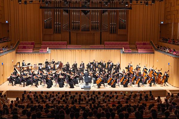 [新聞] 「聽到神的聲音」 神韻交響樂團屏東大爆滿