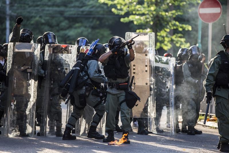 【9.21反送中組圖】屯門遊行後 警放催淚彈清場