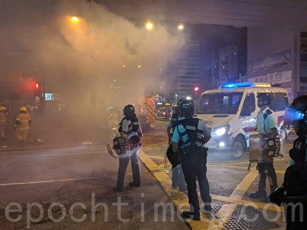 2019年9月23日晚上,香港太子站情況,警察及警車。(黃曉翔/大紀元)
