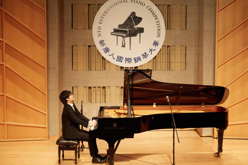 2019年9月25日,第五屆新唐人國際鋼琴大賽初賽現場。圖為日本選手吉木西(音譯,Yoshiki Nishi)在表演。(張學慧/大紀元)