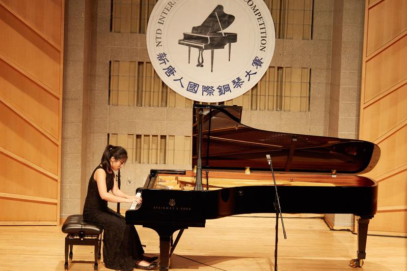2019年9月25日,第五屆新唐人國際鋼琴大賽初賽現場。圖為華人選手張詩萱(音譯,Shixuan Zhang)在表演。(張學慧/大紀元)