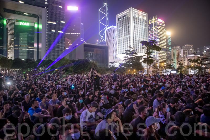 組圖:雨傘運動五周年 逾20萬人金鐘集會
