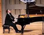 新唐人鋼琴大賽要求獨特 評委談曲目讚選手