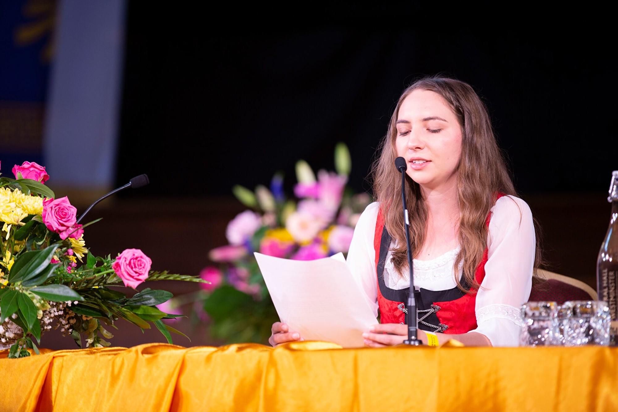 8月31日,來自奧地利的克里斯蒂娜‧施皮爾克(Christina Spirk)在2019年歐洲法輪大法心得交流會上發言。(曉龍/大紀元)