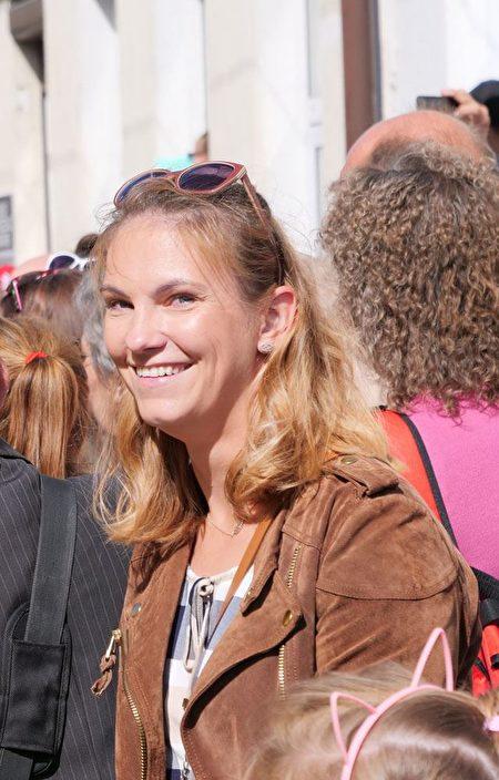 Katarzyna Śniegula-Kruk女士說:「我們生活的世界需要更多的『真、善、忍』。」(明慧網)