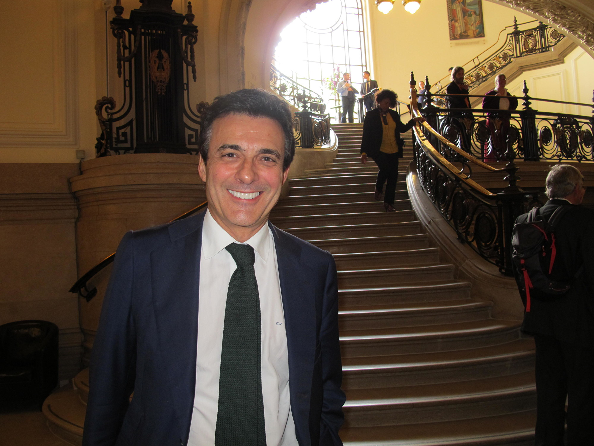 8月31日,著名人權律師、西班牙訴江第一人卡洛斯‧伊格萊西亞斯(Carlos Iglesias)參加了歐洲修煉心得交流會。(麥蕾/大紀元)
