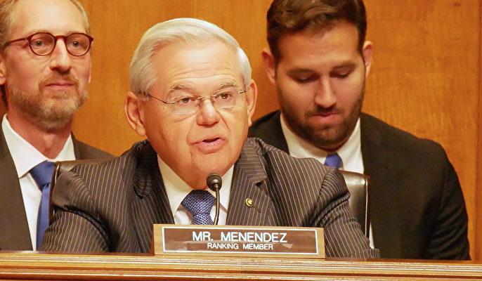 參議院外交關係委員會副主席、參議員梅嫩德斯(Bob Menendez)(李辰/大紀元)