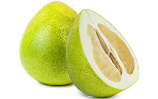 1分鐘快速切柚子法 輕鬆搞定難剝的柚子皮