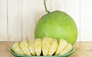 中秋节阿嬷手臂竟出淤青 4种人吃柚子要小心