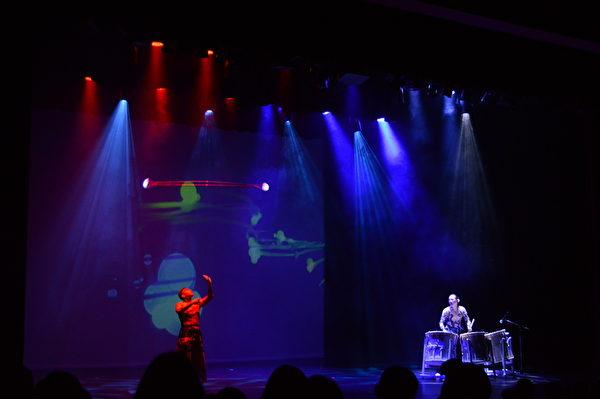 圖:「海洋慶典」巡演抵達溫哥華,美妙詼諧的藝術饗宴征服了溫哥華觀眾。(邱晨/大紀元)