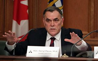 图:卑诗省议长布莱卡斯(Darryl Plecas)质疑为什么两位高级官员会在停职期间还可以获得车辆津贴。(加通社)