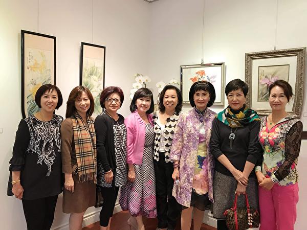 图:侨务咨询委员叶宪年9月15日举办首次国画个展,展示她国画方面的天赋才华。(邱晨/大纪元)