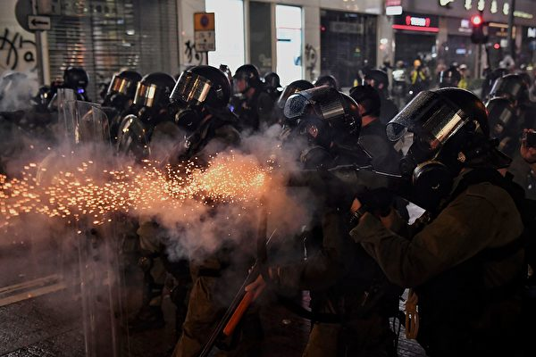 千瑞:香港警察可有一個男兒乎?