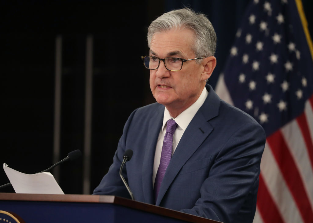 鮑威爾誓言維持美經濟增長 釋可能減息信號