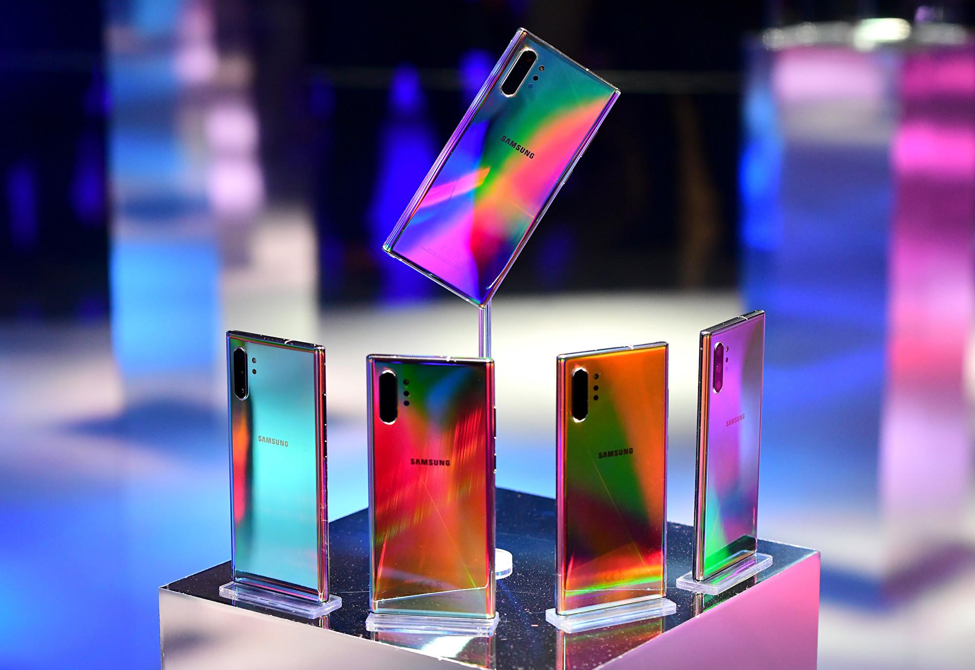 三星南韓店將於周四(9月5日)開始銷售最新旗艦手機「Galaxy Note 10」變種產品——區塊鏈手機「KlaytnPhone」。(Bryan Bedder/Getty Images for Samsung)