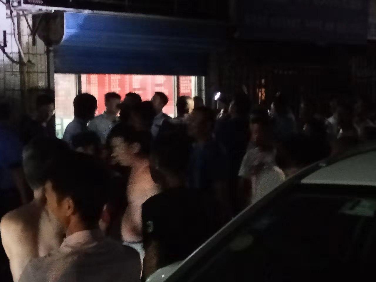 十一前 北京城管、警察清理小商戶