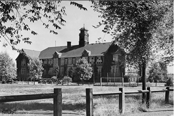 位於溫哥華瑪格麗特街(Marguerite Street)的肖納西小學(Shaughnessy Elementary School)歷史悠久。(shy100.ca)