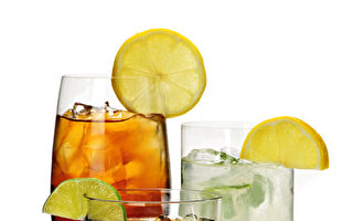 含糖或零卡汽水皆要命 营养师:以水代替