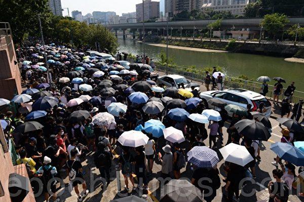 香港现反送中菜单:催泪蛋 五大素球 以眼还眼