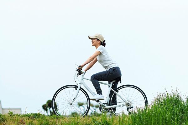 研究发现,骑自行车20分钟就能使记忆改善。(Shutterstock)