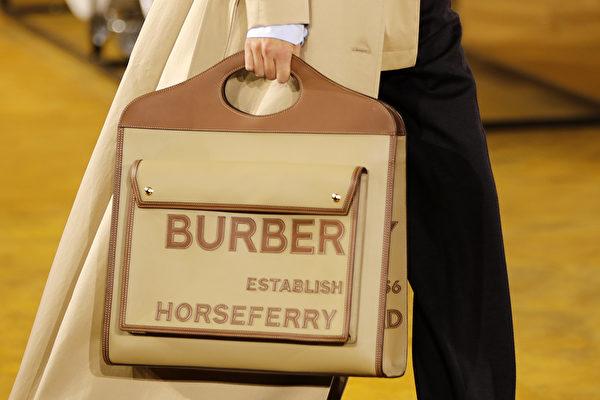巴寶莉品牌。(Tolga AKMEN/AFP)