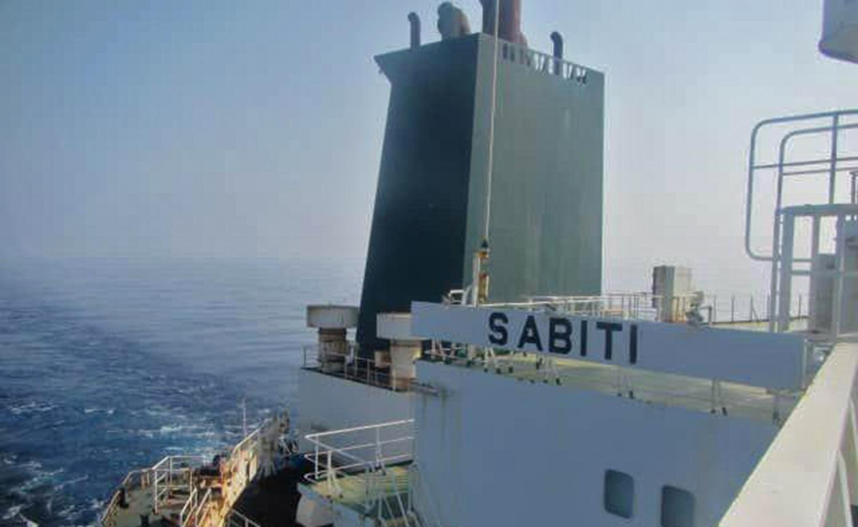 伊朗油輪沙特海岸被導彈擊中 起火並漏油