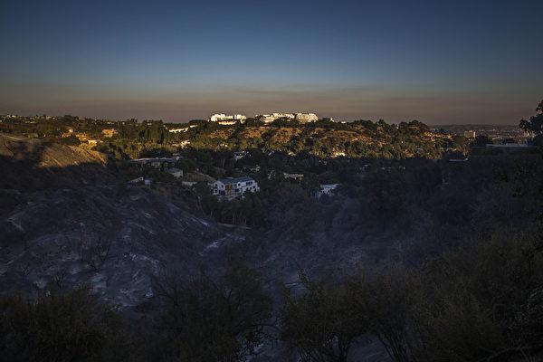 加州大火直逼富人区 球星影星连夜撤离
