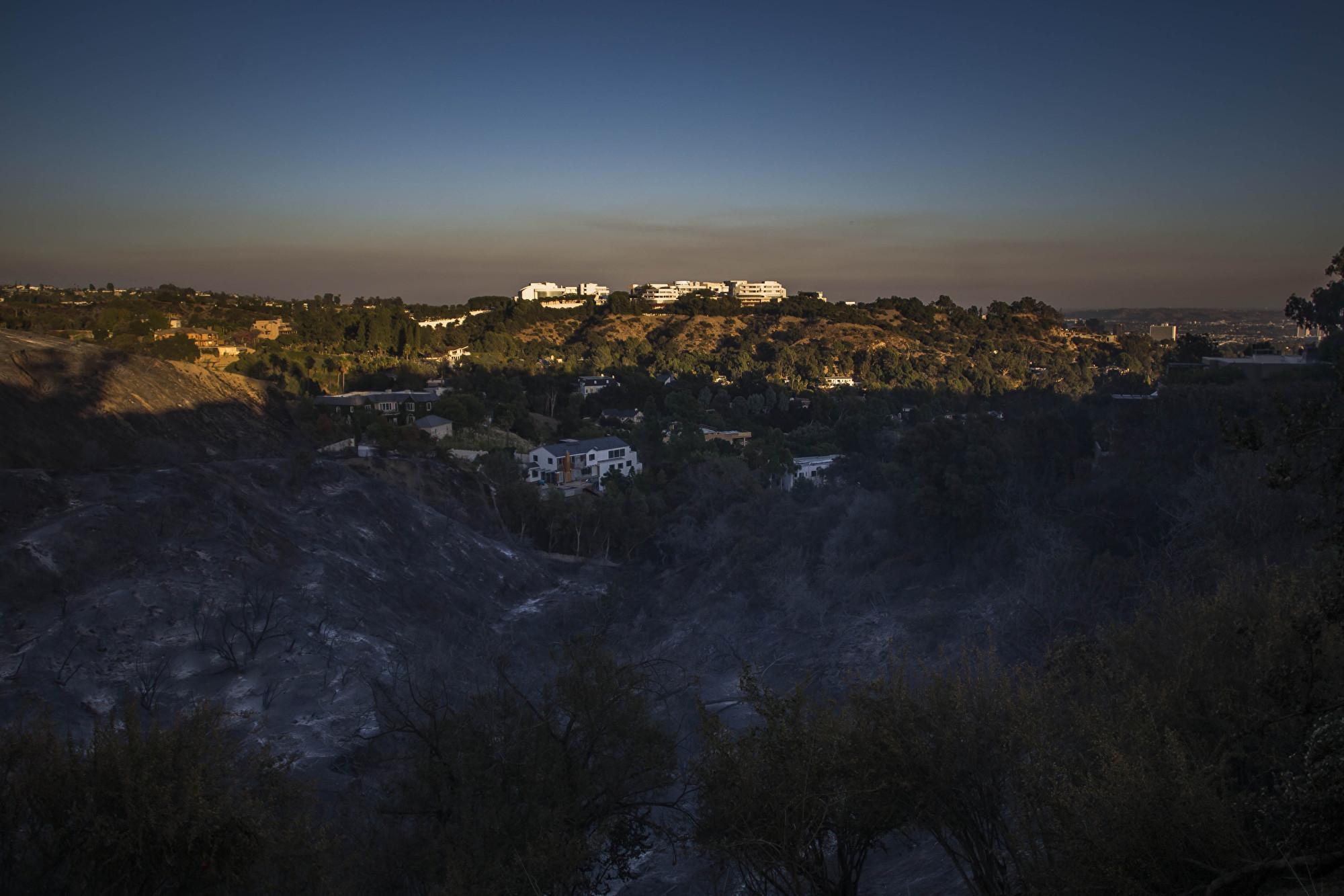 加州大火直逼富人區 球星影星連夜撤離