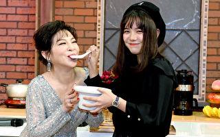 王彩桦首接Live节目 女儿带鱼汤慰劳妈妈