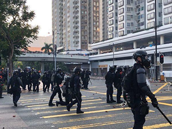 2019年9月30日,在香港沙田聚集很多警力。(葉依帆/大紀元)