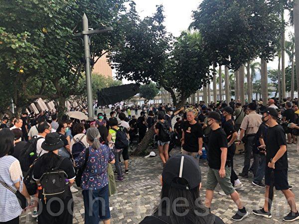 2019年10月12日,「反緊急法遊行」,尖沙咀鐘樓。(梁珍/大紀元)