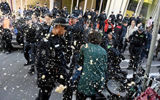 阻國際會議與警方衝突 墨市40餘抗議者被捕