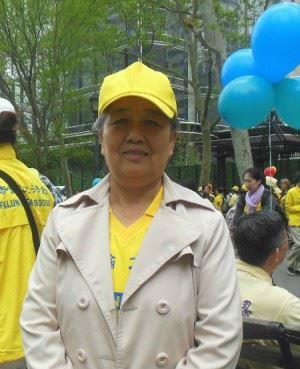 王久春車禍半年後於2016年5月在紐約參加法輪大法日慶祝活動。(明慧網)