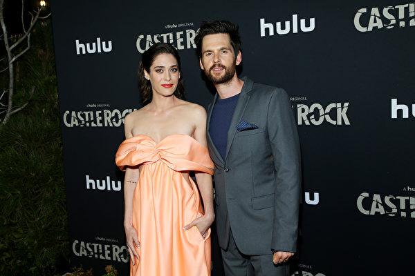 2019年10月14日,主要演員參加《城堡巖》(Castle Rock)第二季開播活動。(Phillip Faraone/Getty Images)
