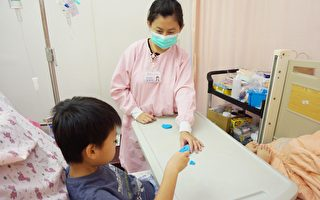马偕儿童病房采用艺术治疗化解住院恐惧