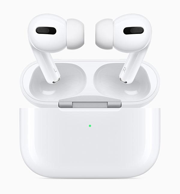 AirPods Pro把AirPods的精妙之處盡現於輕盈的全新入耳式設計之中。(蘋果提供)